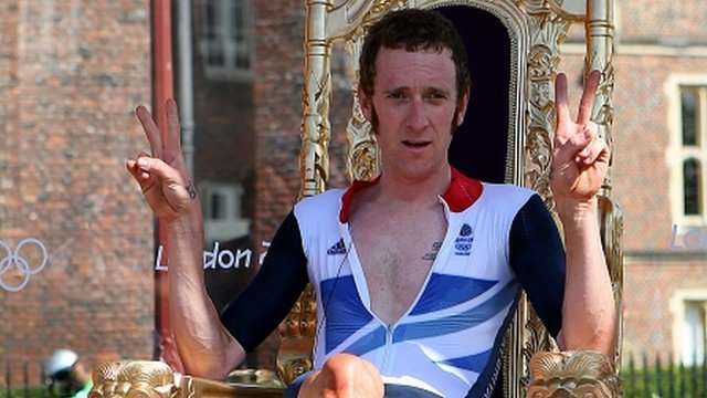 Bradley Wiggins wins Olympics gold in cycling time trial